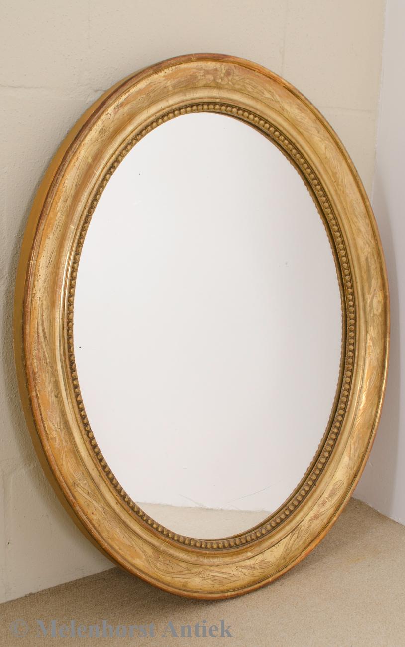 Antieke ovale spiegel