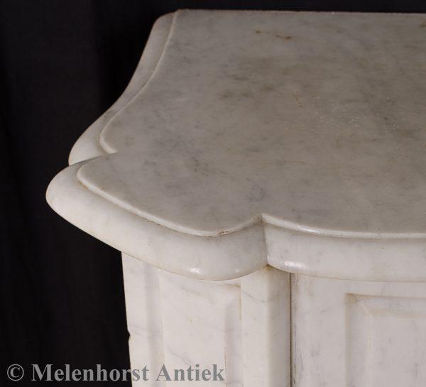 Antieke marmeren schouw