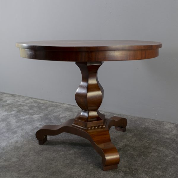 Ronde 'Biedermeier' tafel