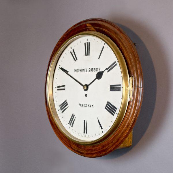 Grote pub clock