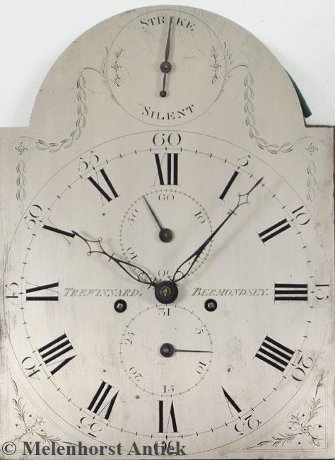 Engelse staande klok met verzilverde wijzerplaat