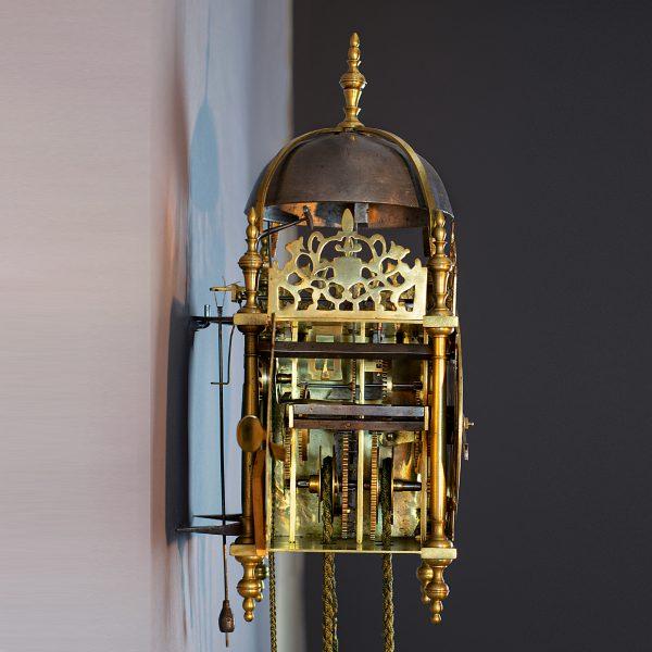 Eenwijzerige lantaarnklok