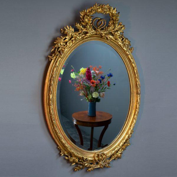Romantische ovale spiegel