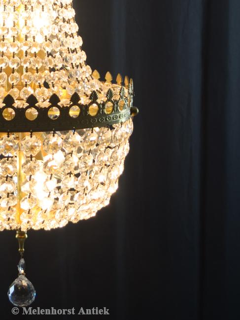 Kristallen kroonluchter met opengewerkte ring