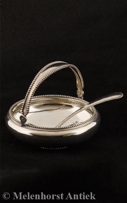 Zilveren suikerpot met schep