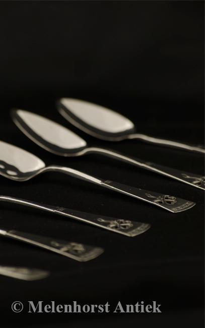 Zes zilveren theelepeltjes Schoonhoven