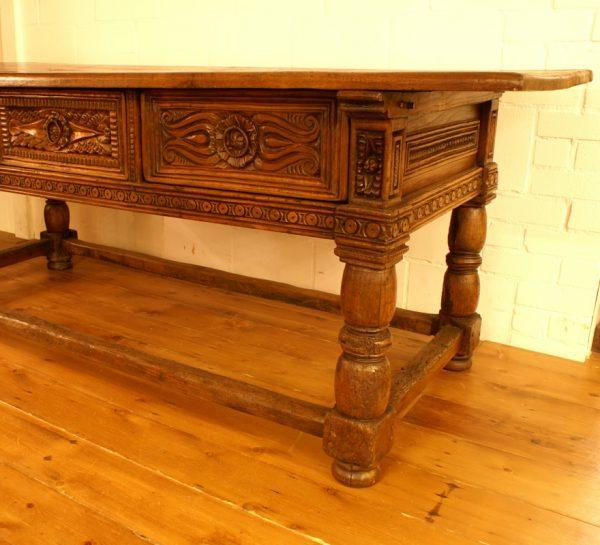 17e eeuwse Spaanse tafel