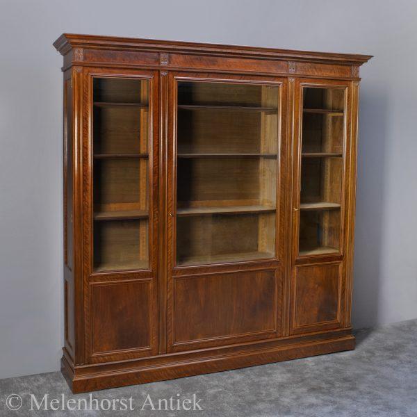 Boekenkast H.P. Mutters en Zn