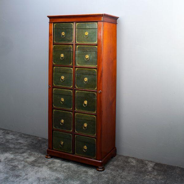 Engelse archiefkast met laden