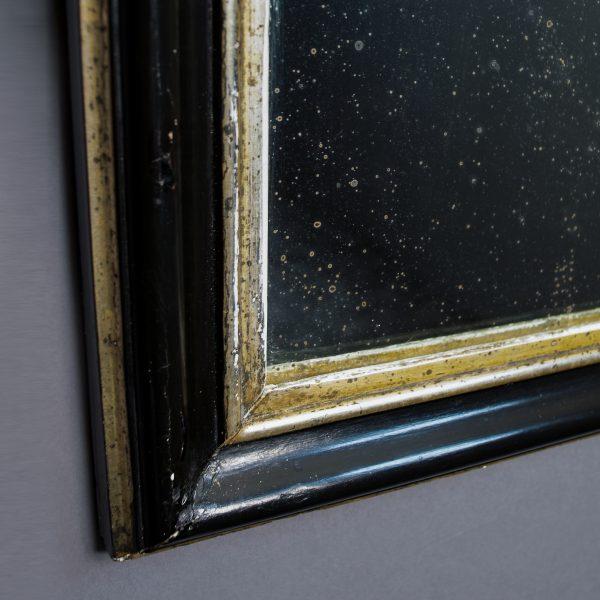 Zwart met zilveren spiegel