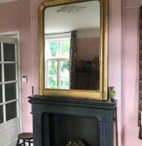 twee antieke spiegels