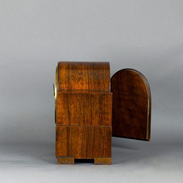 asymmetrische art deco pendule
