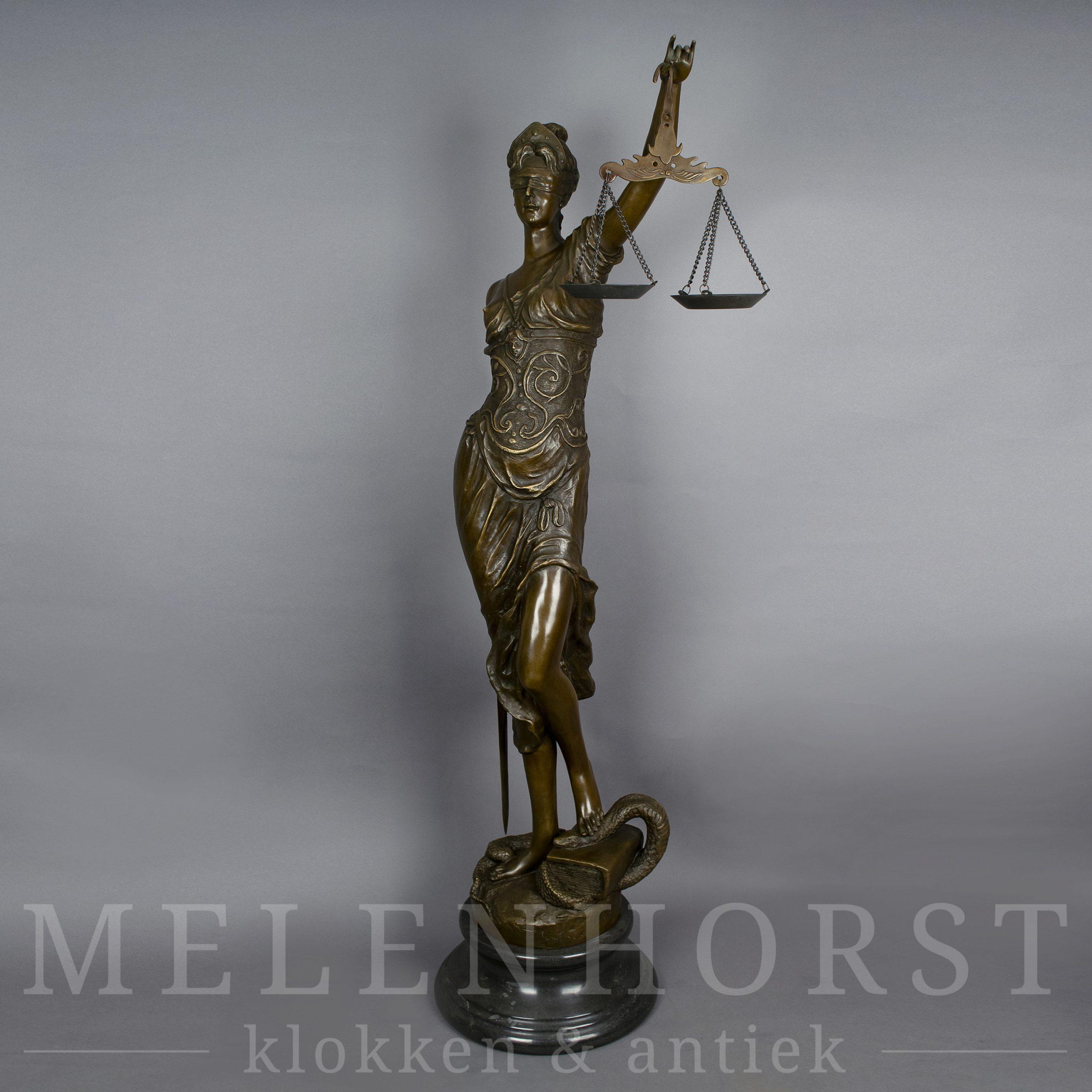 Beeld Vrouwe Justitia XL