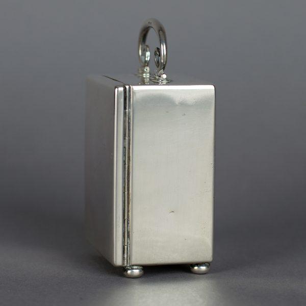 Zilveren miniatuurreisklok