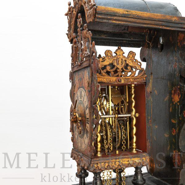 Groningse stoelklok, gedateerd 1750