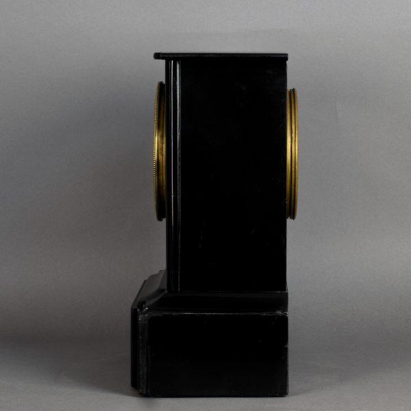 Pendule van zwart Belgisch marmer